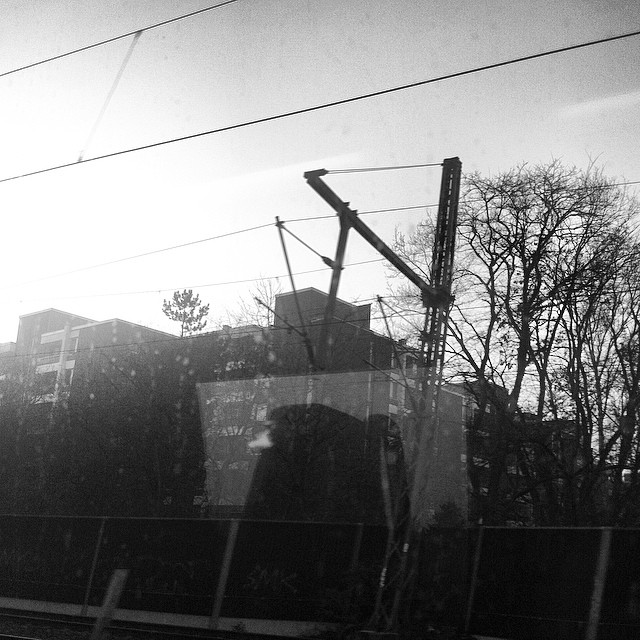 Some #commuting shots out of the #train window on a #nicemorning. Back in #cologne. #thisiscologne #ehrenfeld #trainstation #bahnhof Instagram