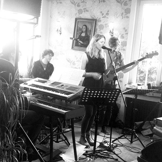 #live #jazz #electro mit #lizlane Instagram